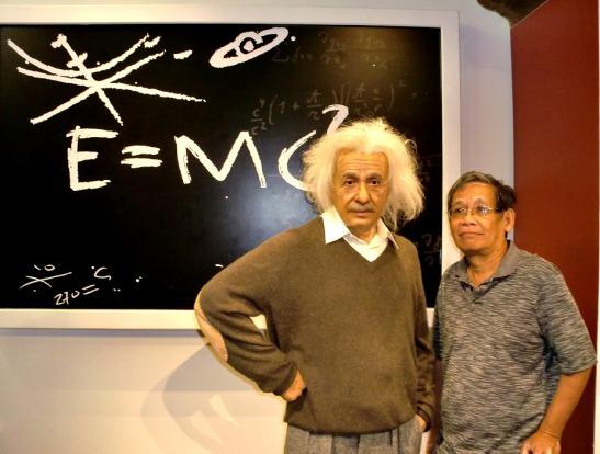 Papa and Einstein = Friends?