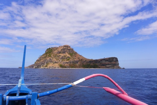 D.I.Y. Island Hopping at Anawangin Cove and Capones Island